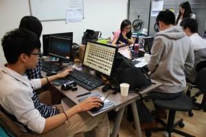 電子競技公司的員工年齡全在30 歲以下,行業勞 動力相當年輕。