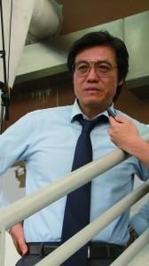 香港足球隊總教練金判坤認為,本港可為本地足球博彩合法化,但條件是必須成立一個強而有力的監察組織,培養球員自律精神,抵抗金錢引誘。