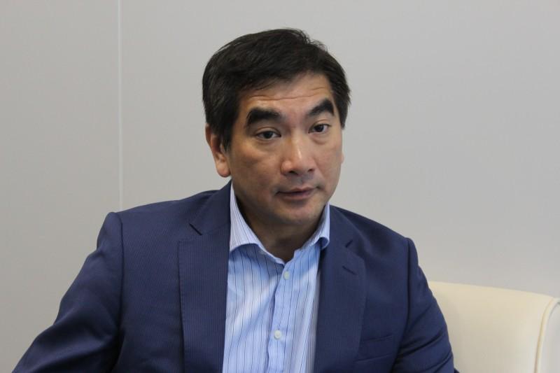 紡織及製衣業界立法會議員鍾國斌。